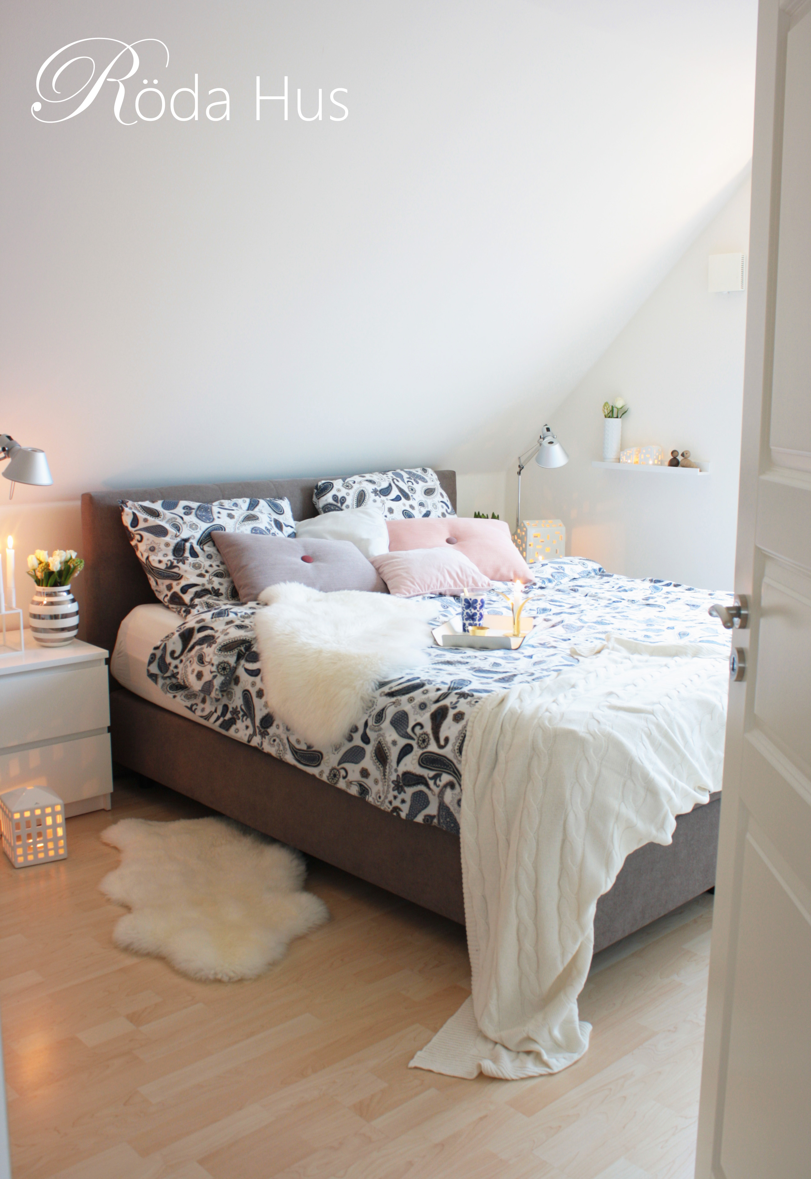 Blick ins Schlafzimmer – Röda Hus
